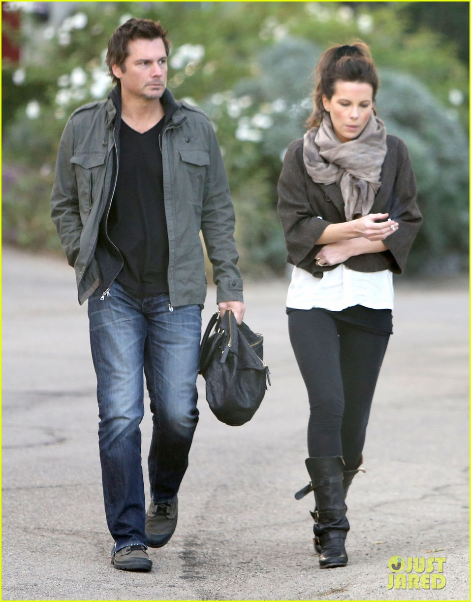 kate beckinsale family football game 18
