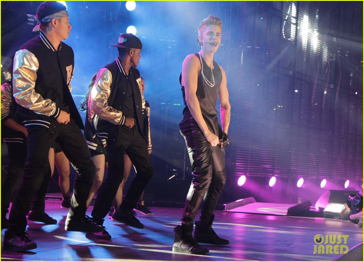 justin bieber grey cup performance watch now 20
