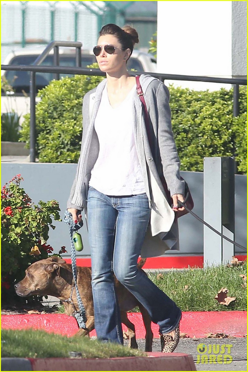 jessica biel dog walk before private plane departure 02