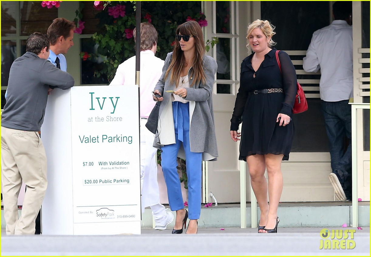 jessica biel ivy by the shore lunch 11