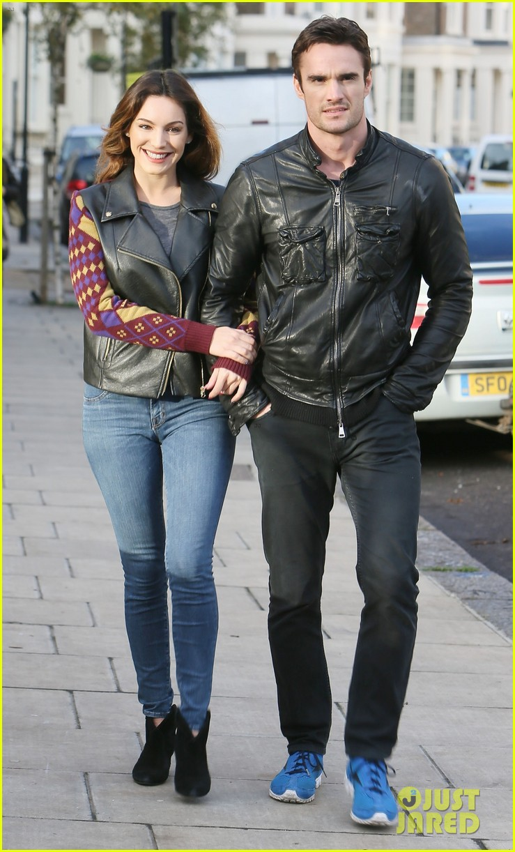 kelly brook birthday stroll with boyfriend 10