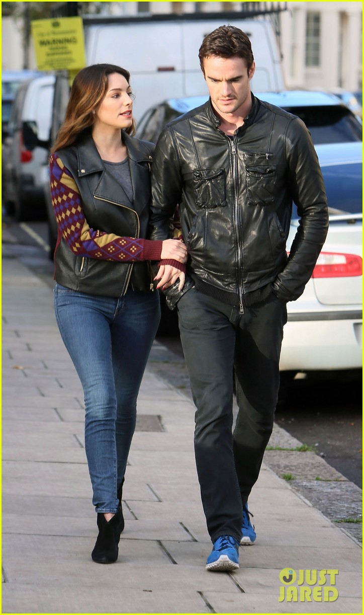 kelly brook birthday stroll with boyfriend 132762994