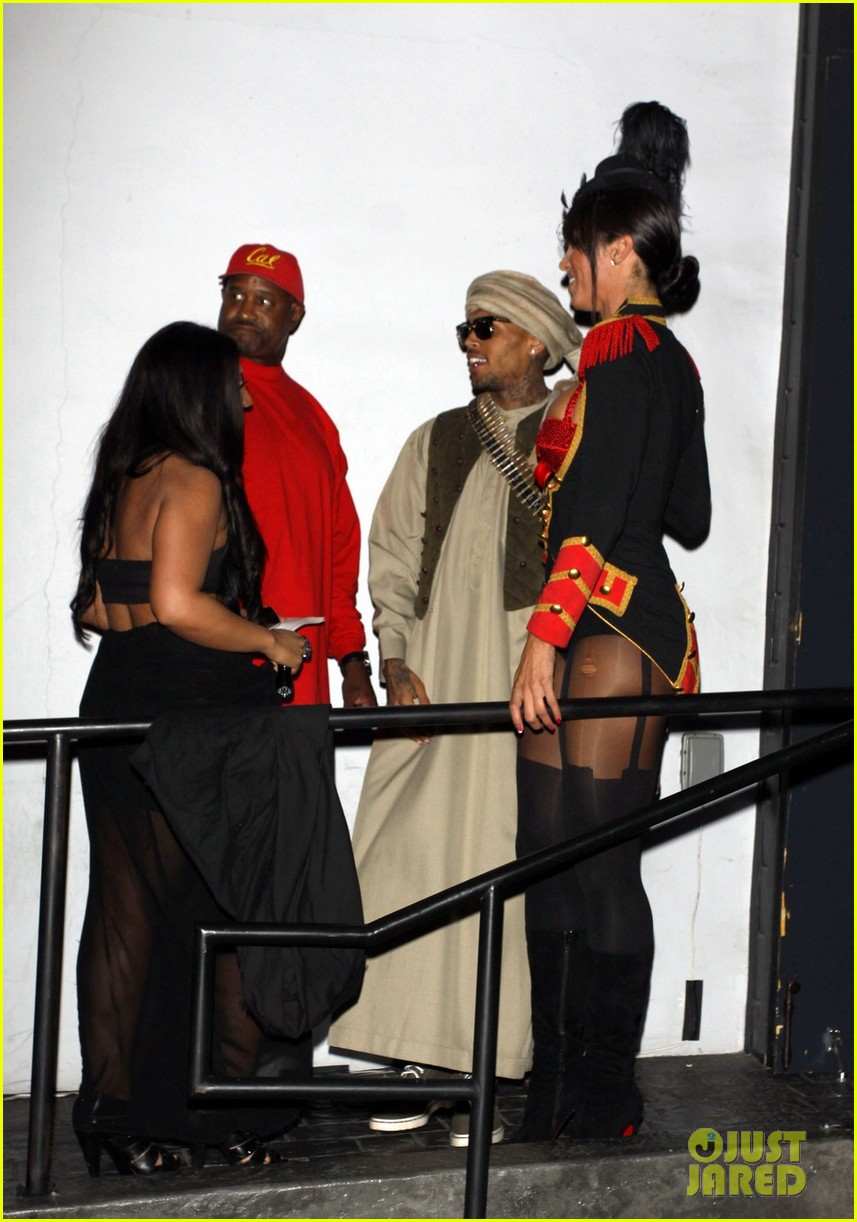 chris brown taliban robes for rihannas halloween party 03