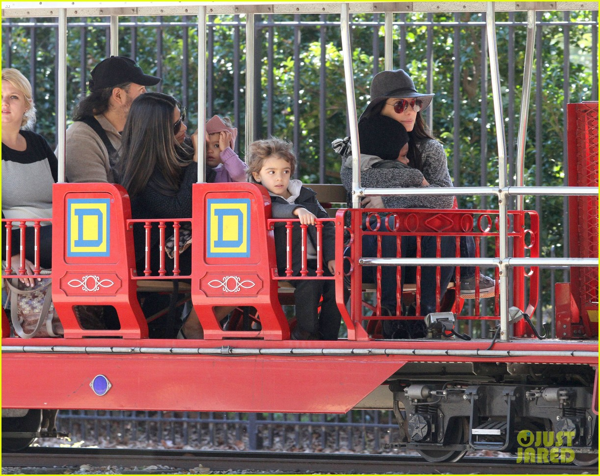 sandra bullock camila alves hang out with the kids 11