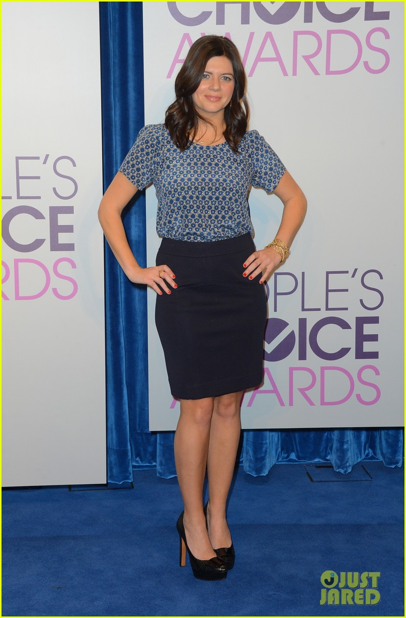 sophia bush peoples choice awards 2013 nominations announcement 07