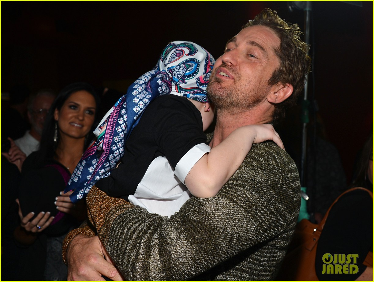 gerard butler playing for keeps childrens hospital screening 19