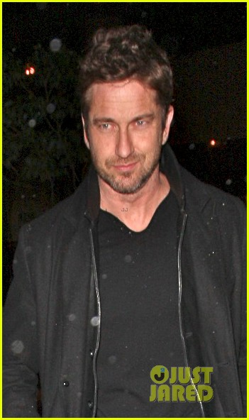 gerard butler wanted to spend his birthday in india 04