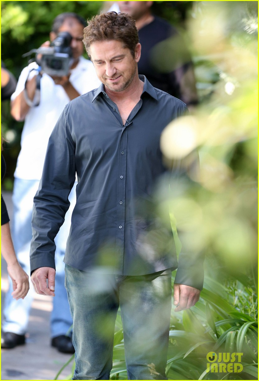 gerard butler i am waiting for priyanka chopra 05