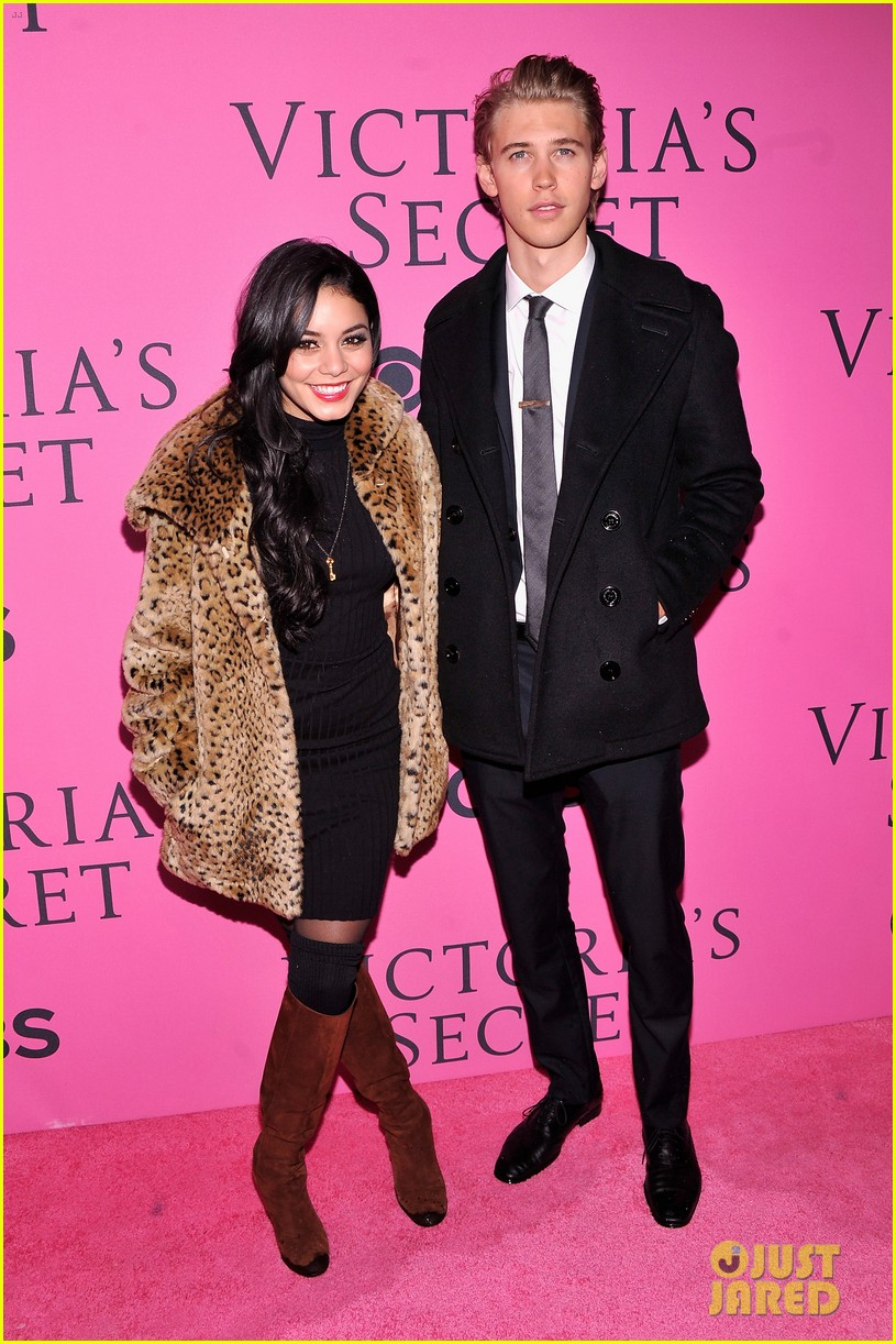 vanessa hudgens rolling stone party with austin butler 07