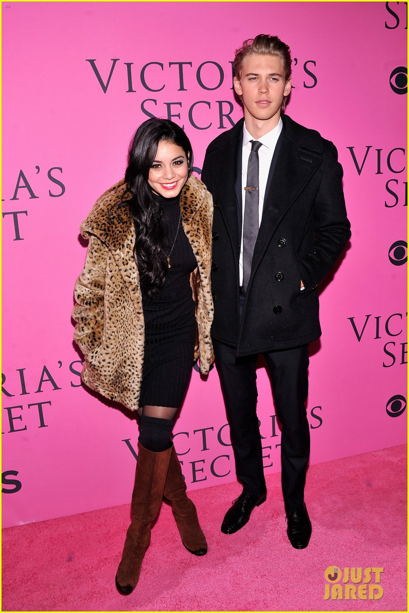 vanessa hudgens rolling stone party with austin butler 08
