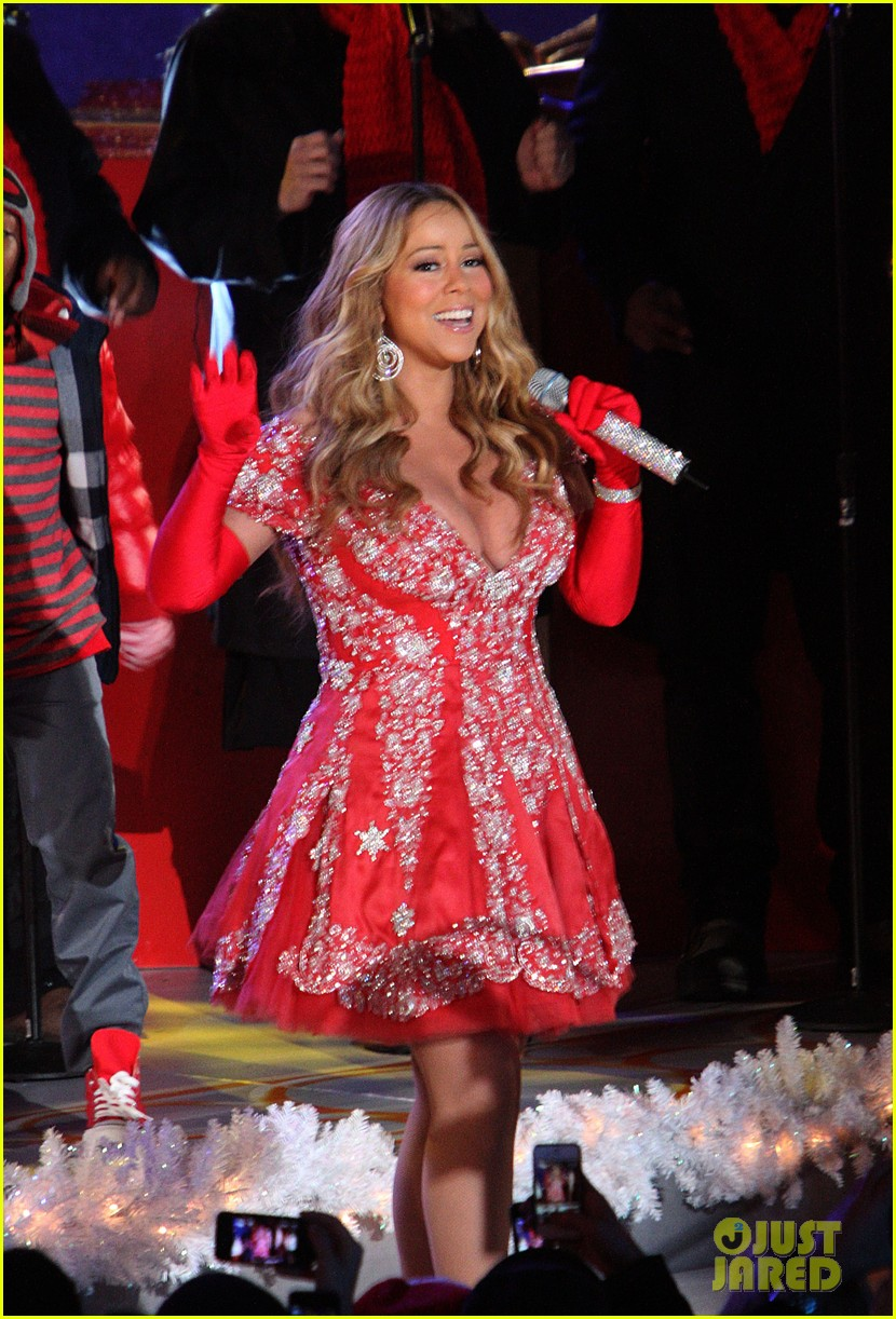 mariah carey rockefeller center tree lighting performance 07
