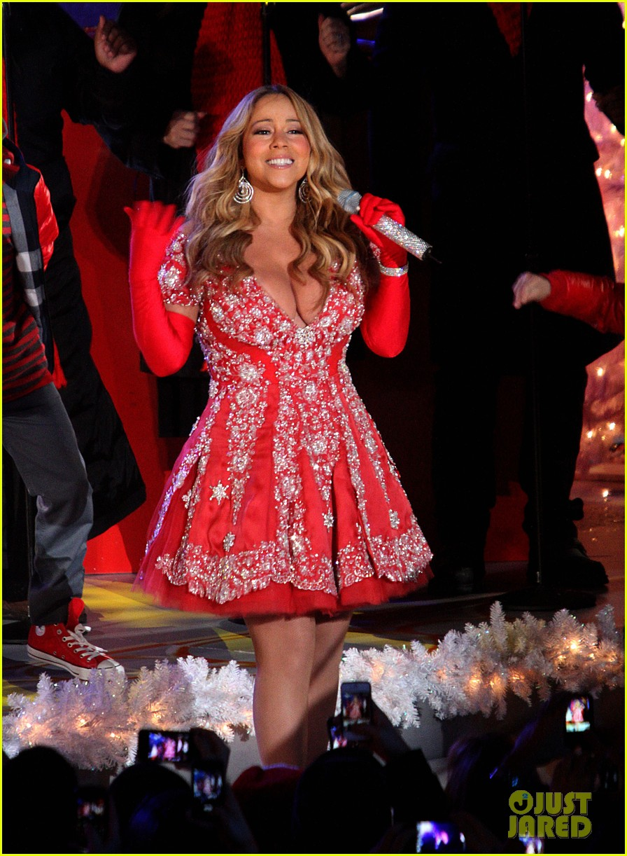 mariah carey rockefeller center tree lighting performance 08