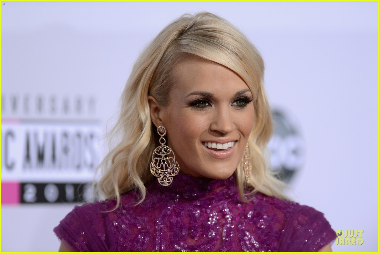 carrie underwood amas red carpet 06