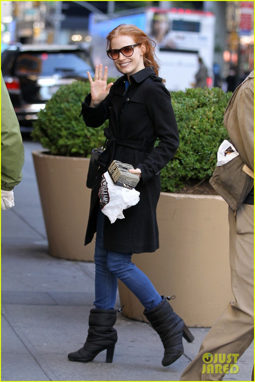 jessica chastain heiress arrival 01