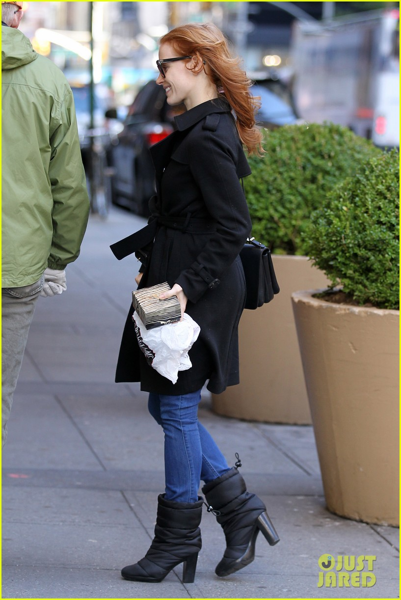 jessica chastain heiress arrival 03