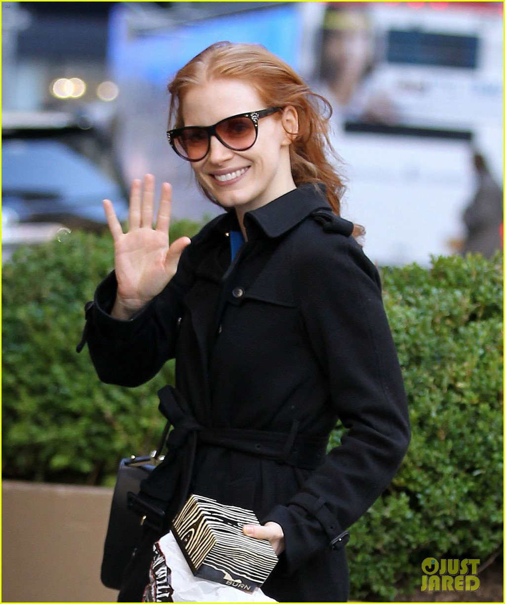 jessica chastain heiress arrival 04