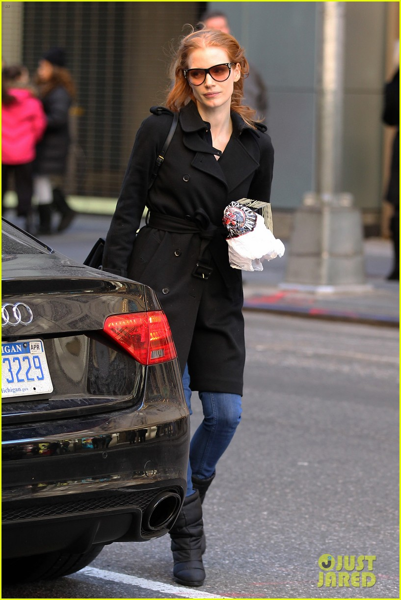 jessica chastain heiress arrival 05