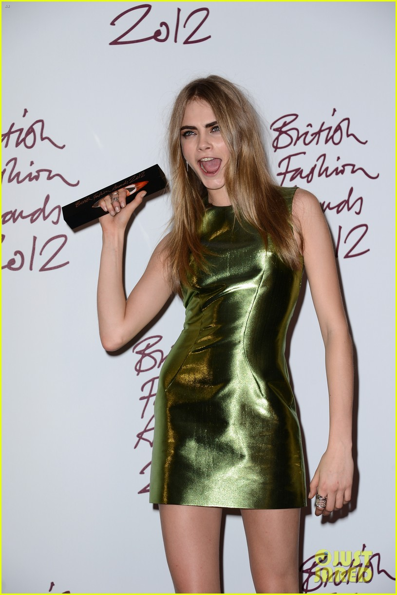 alexa chung cara delevingne british fashion awards winners 152764816