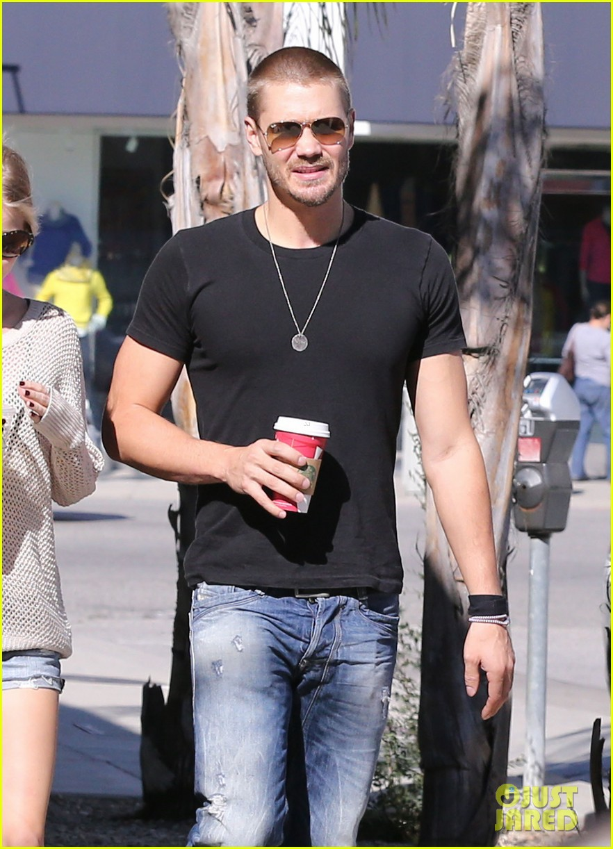 chad michael murray kenzie dalton starbucks sweeties 02