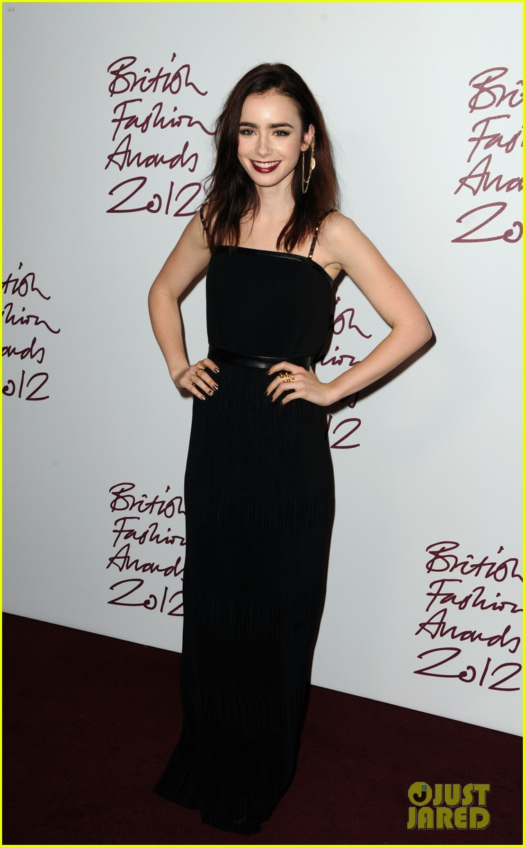 lily collins jamie campbell bower british fashion awards 01