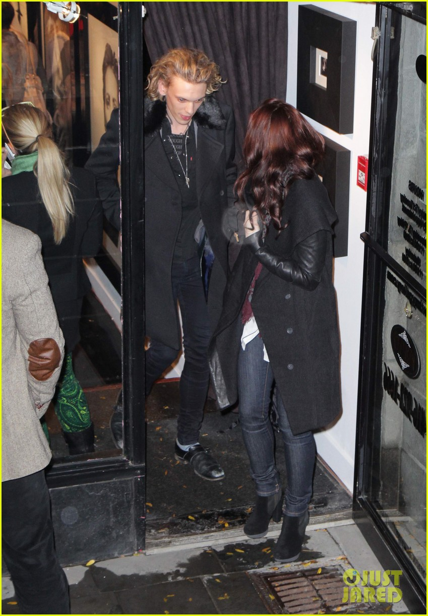 lily collins jamie campbell bower gallery viewing date 02