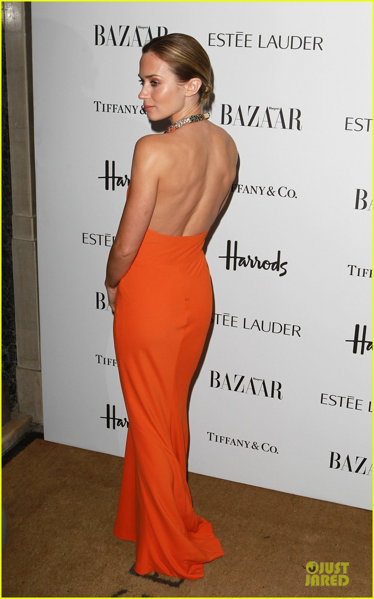 marion cotillard harpers bazaar woman of the year awards 03