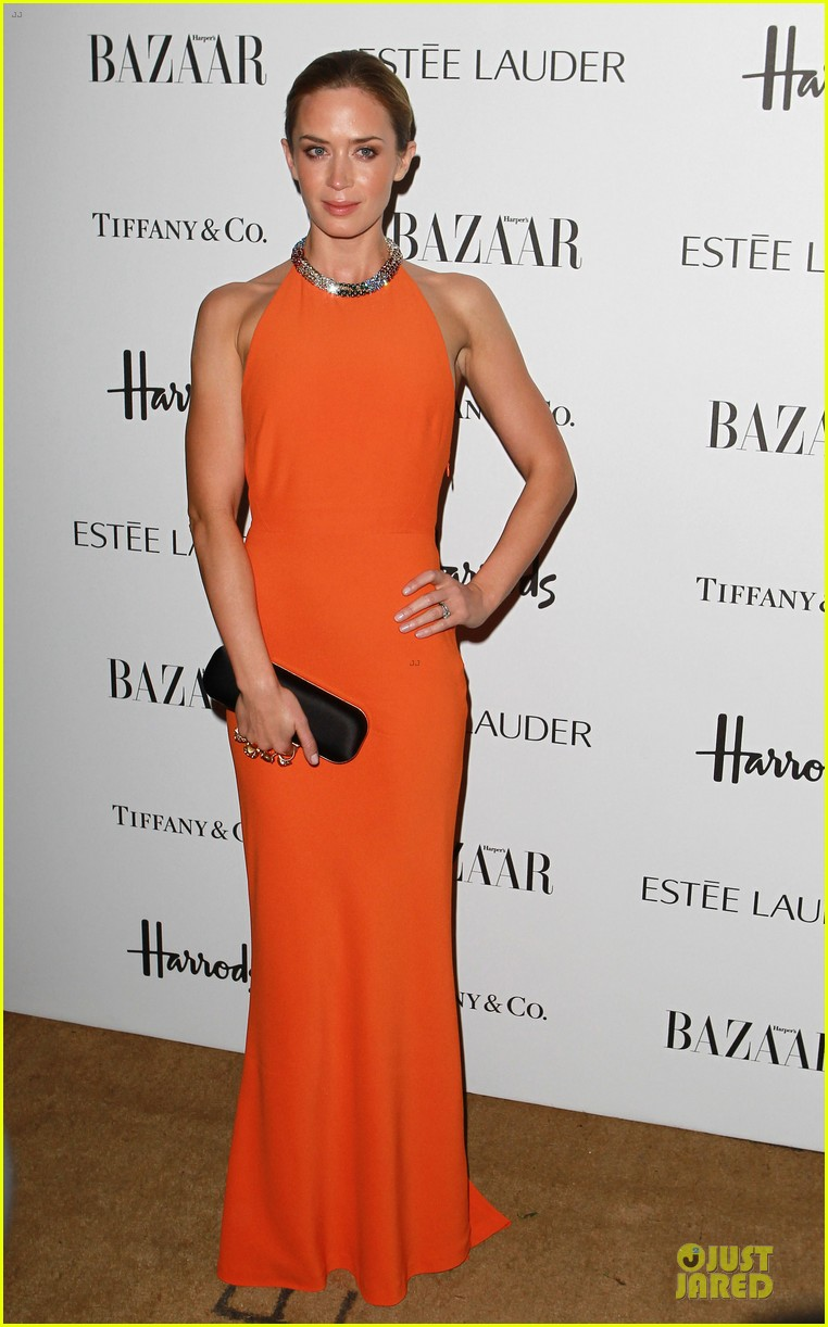marion cotillard harpers bazaar woman of the year awards 11