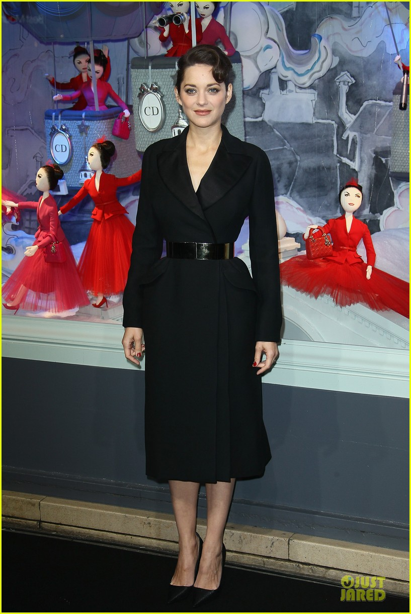 marion cotillard christmas illuminations launch 08