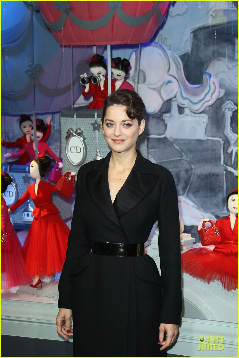 marion cotillard christmas illuminations launch 11