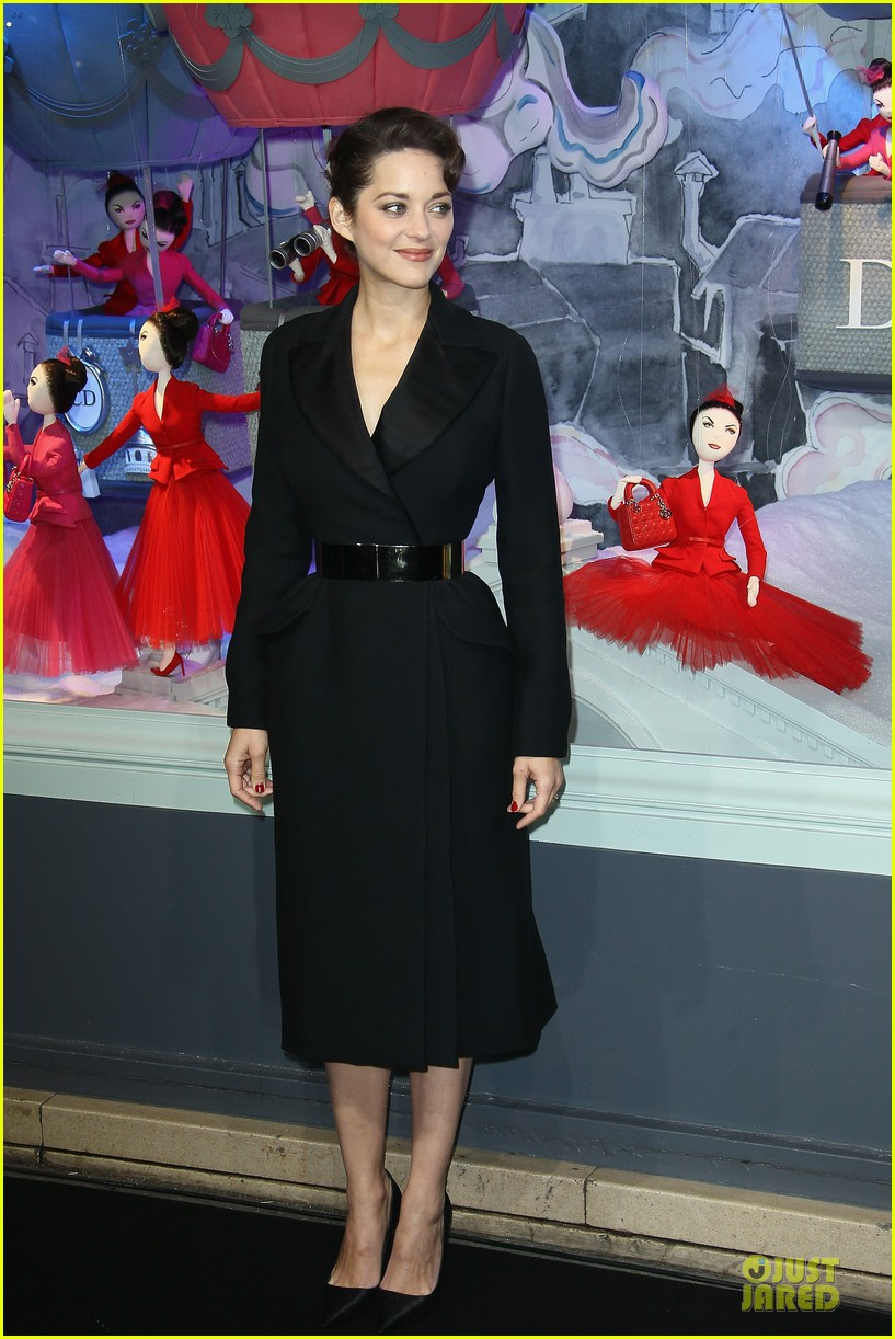 marion cotillard christmas illuminations launch 13