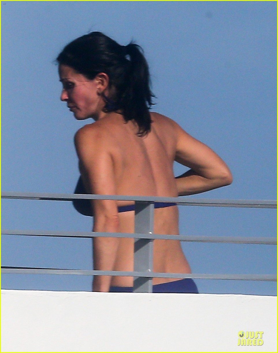 courteney cox miami bikini mama 10