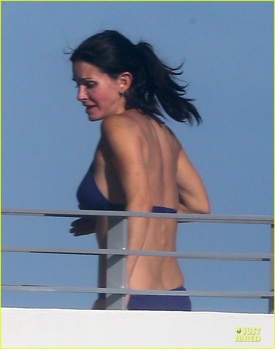 courteney cox miami bikini mama 11