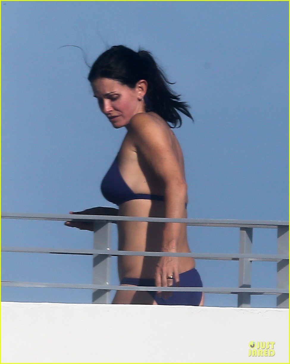 courteney cox miami bikini mama 12