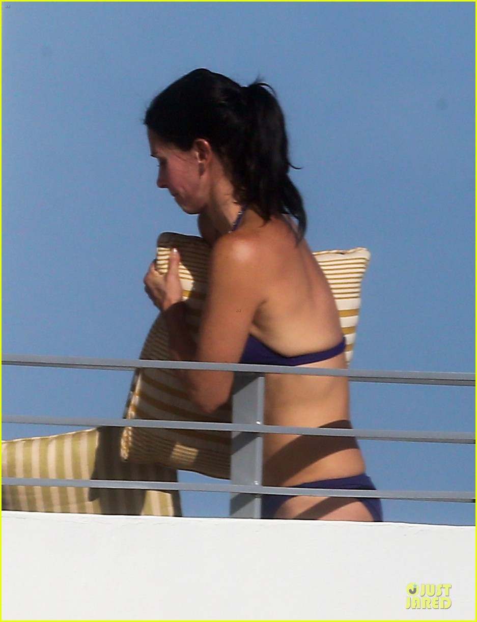 courteney cox miami bikini mama 16