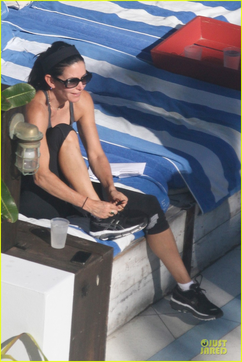 courteney cox miami bikini mama 22