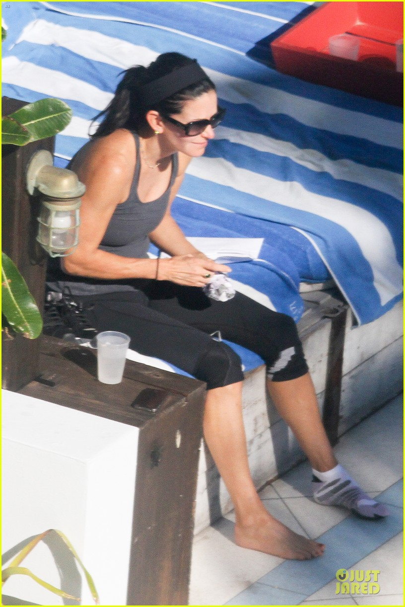 courteney cox miami bikini mama 24