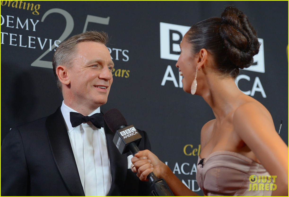 daniel craig bafta britannia awards with skyfall cast 15