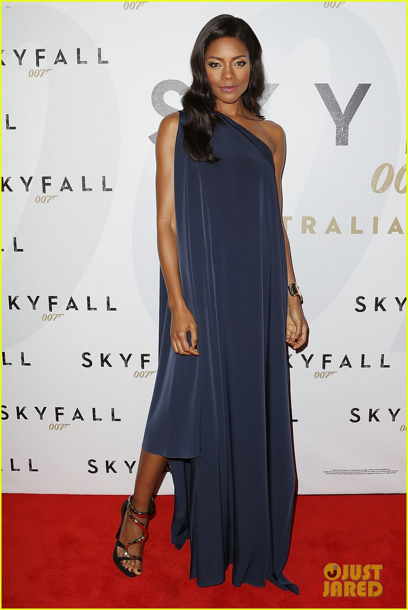 daniel craig naomie harris skyfall australia premiere 09