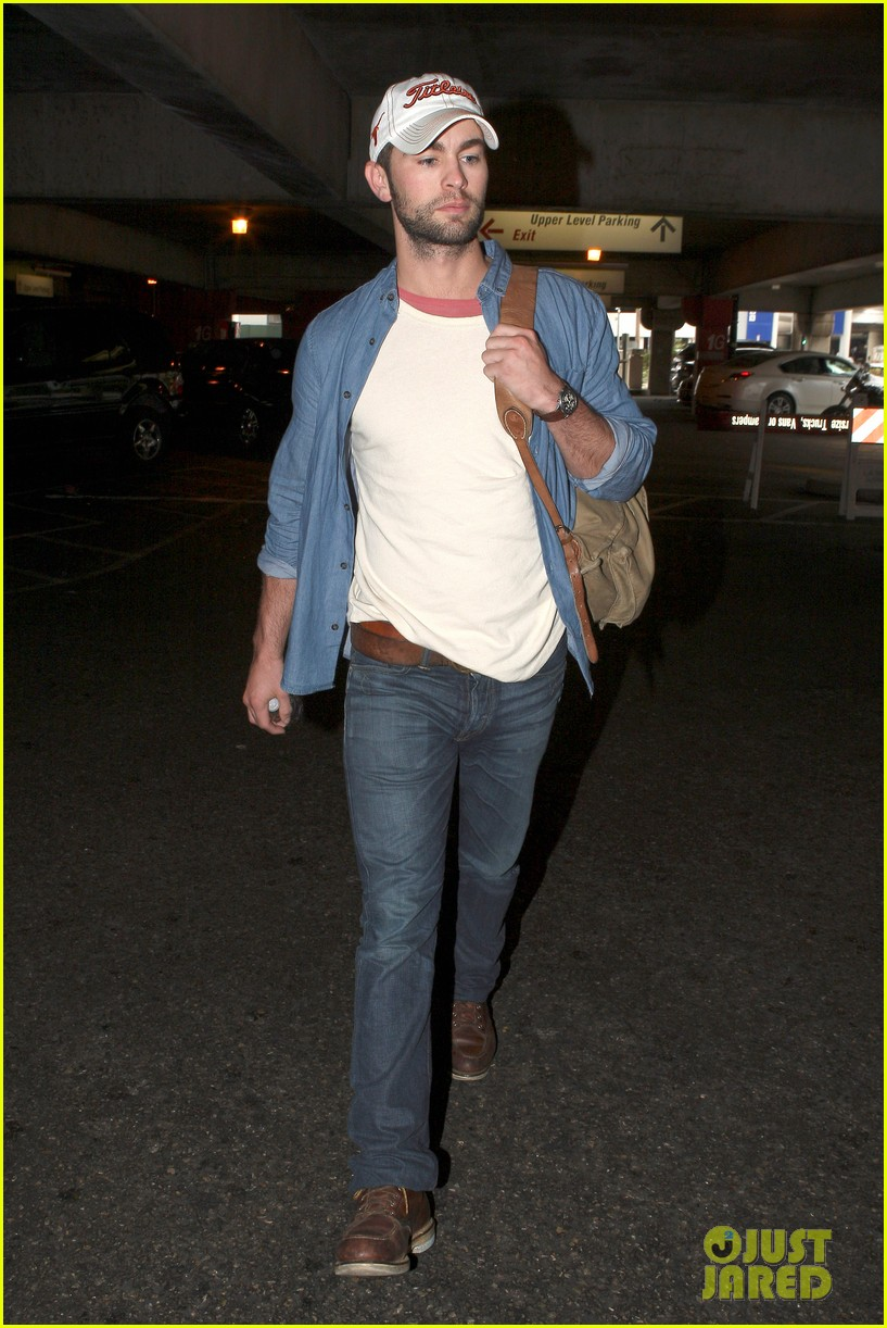 chace crawford matthew morrison hm store opening 14