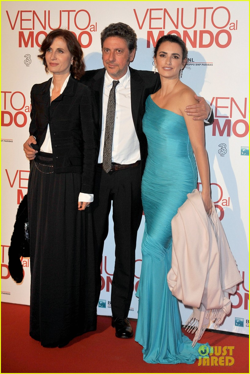 penelope cruz twice born rome premiere 15