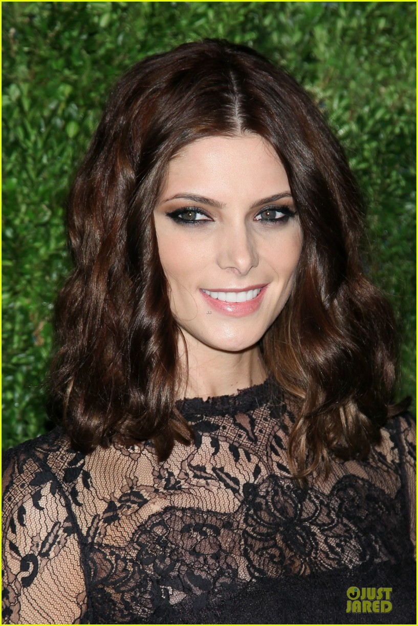 ashley greene dakota fanning cfda vogue fashion fund awards 11