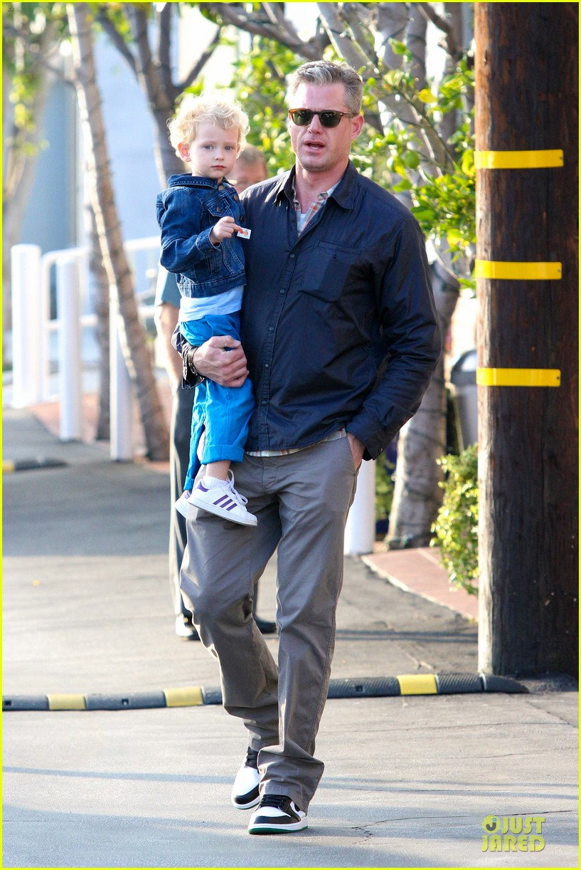 eric dane rebecca gayheart holiday shopping with billie 01