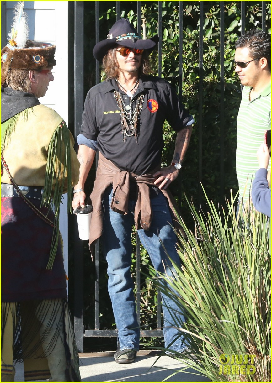 johnny depp plays daddy at school fundraiser 032761515