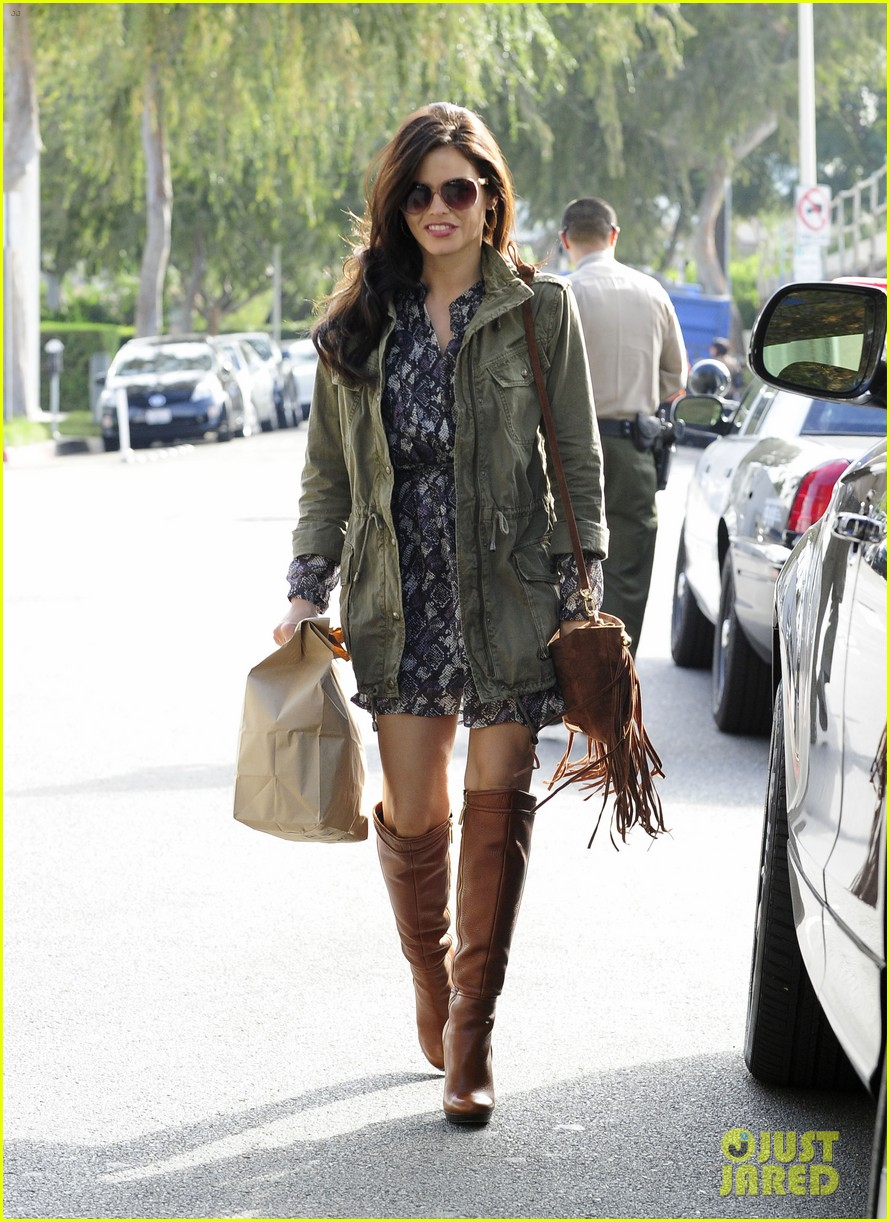 jenna dewan steps out after channing tatum crowned sexiest man alive 01