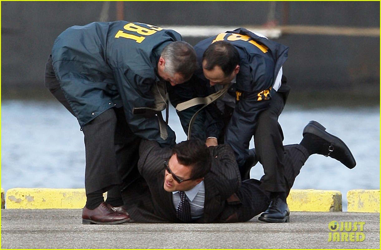 leonardo dicaprio arrested on wolf of wall street set 15