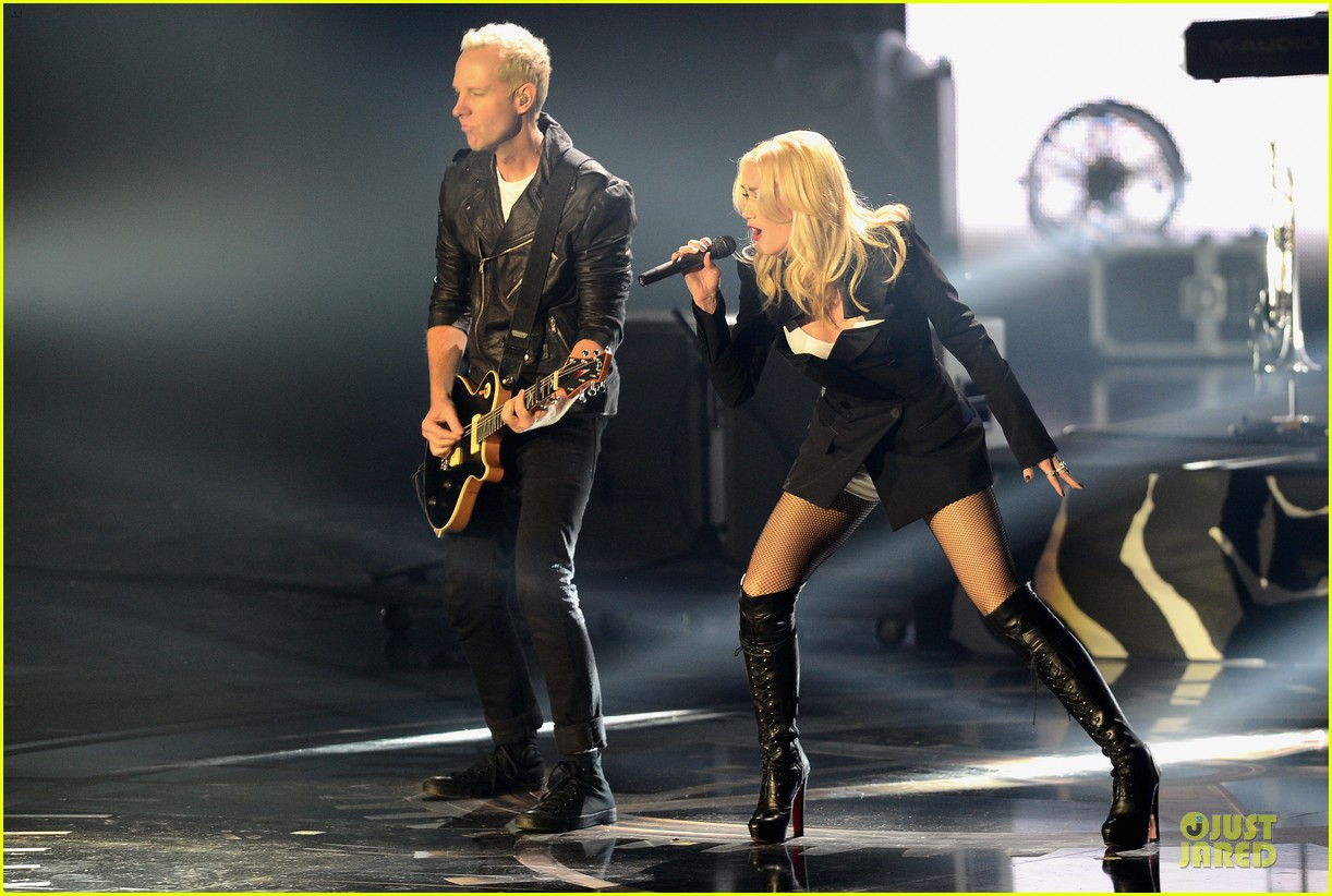 no doubt mtv emas performance watch now 05