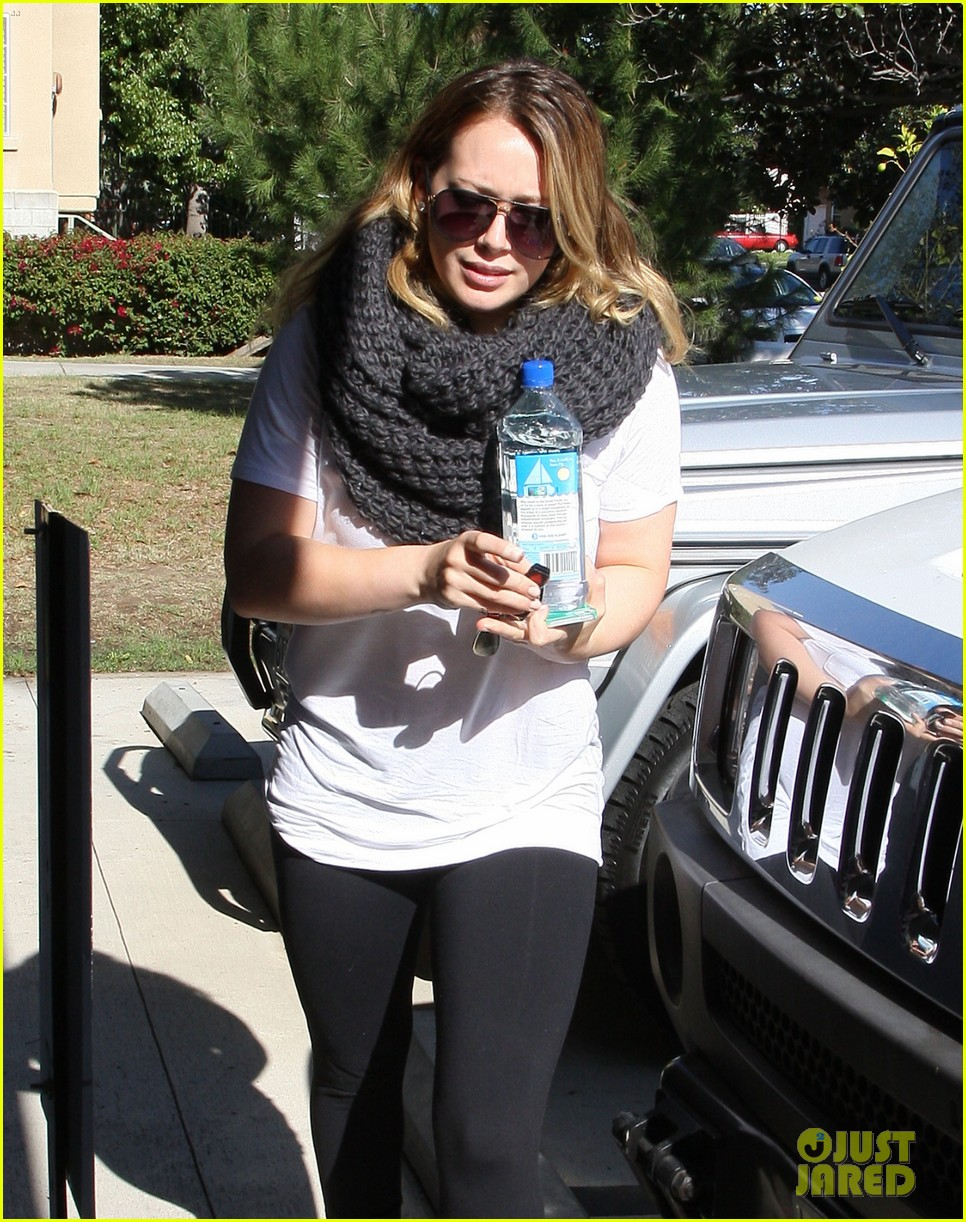 hilary duff pilates class after canada trip 082762229