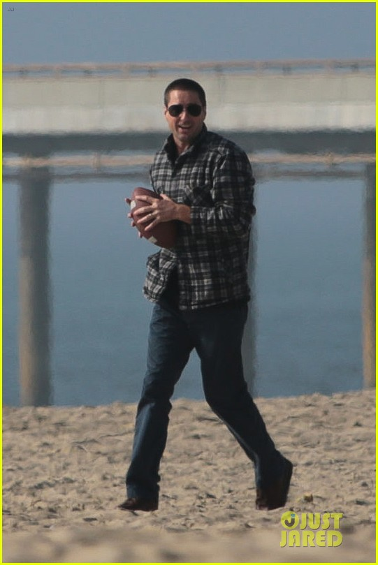chris evans football on a many splintered thing set 03