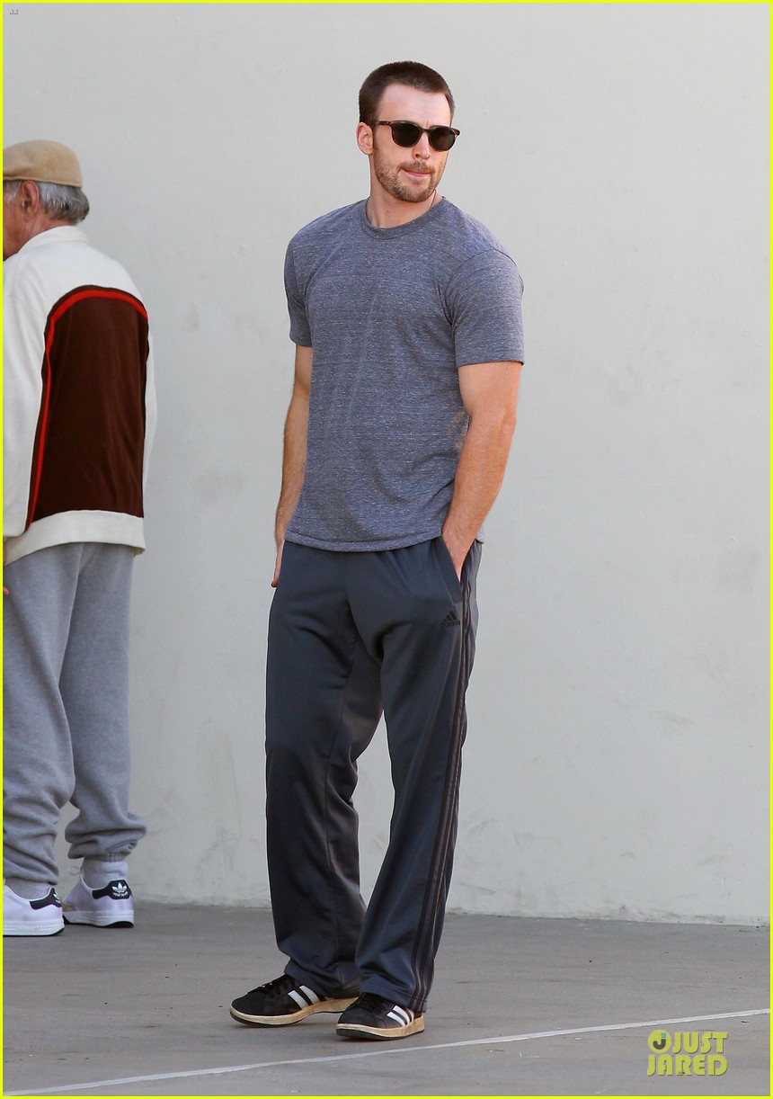 chris evans many splintered thing set with topher grace 01