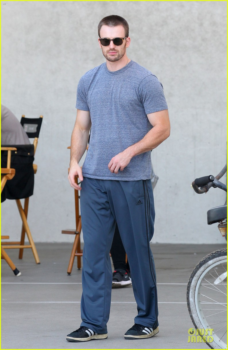 chris evans many splintered thing set with topher grace 07